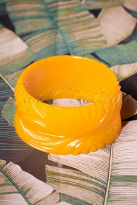 Splendette Wide Yolk Heavy Carve Fakelite Bangle 310 80 26585 08092018 002W