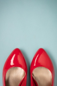 Tamaris 50s Katie Lacquer Pumps in Chili 400 20 26721 08152018 002