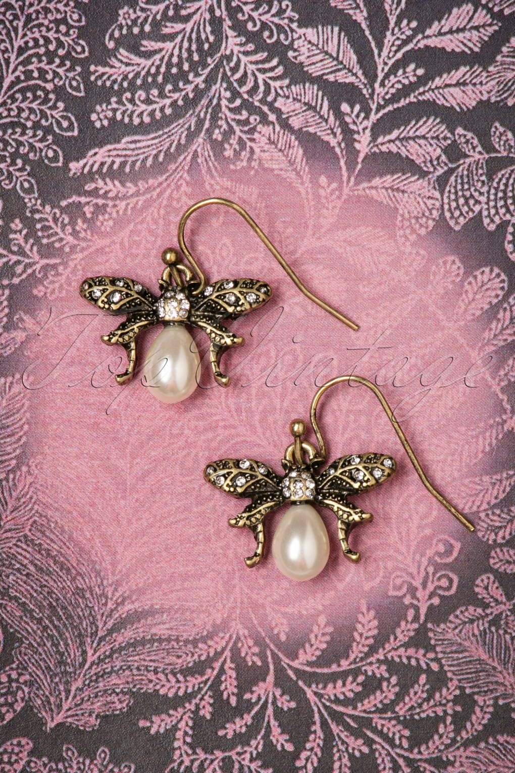 1930s Jewelry | Art Deco Style Jewelry 30s Bumble Bee Pearl Drop Earrings in Gold £17.53 AT vintagedancer.com