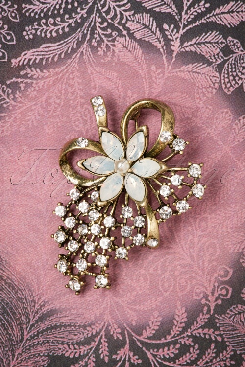 Lovely Miriam Brooch 340 51 26477 08142018 002W