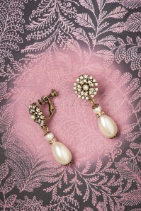 Lovely 30s Miriam Haskell Pearl Drop Clip Earrings in Gold