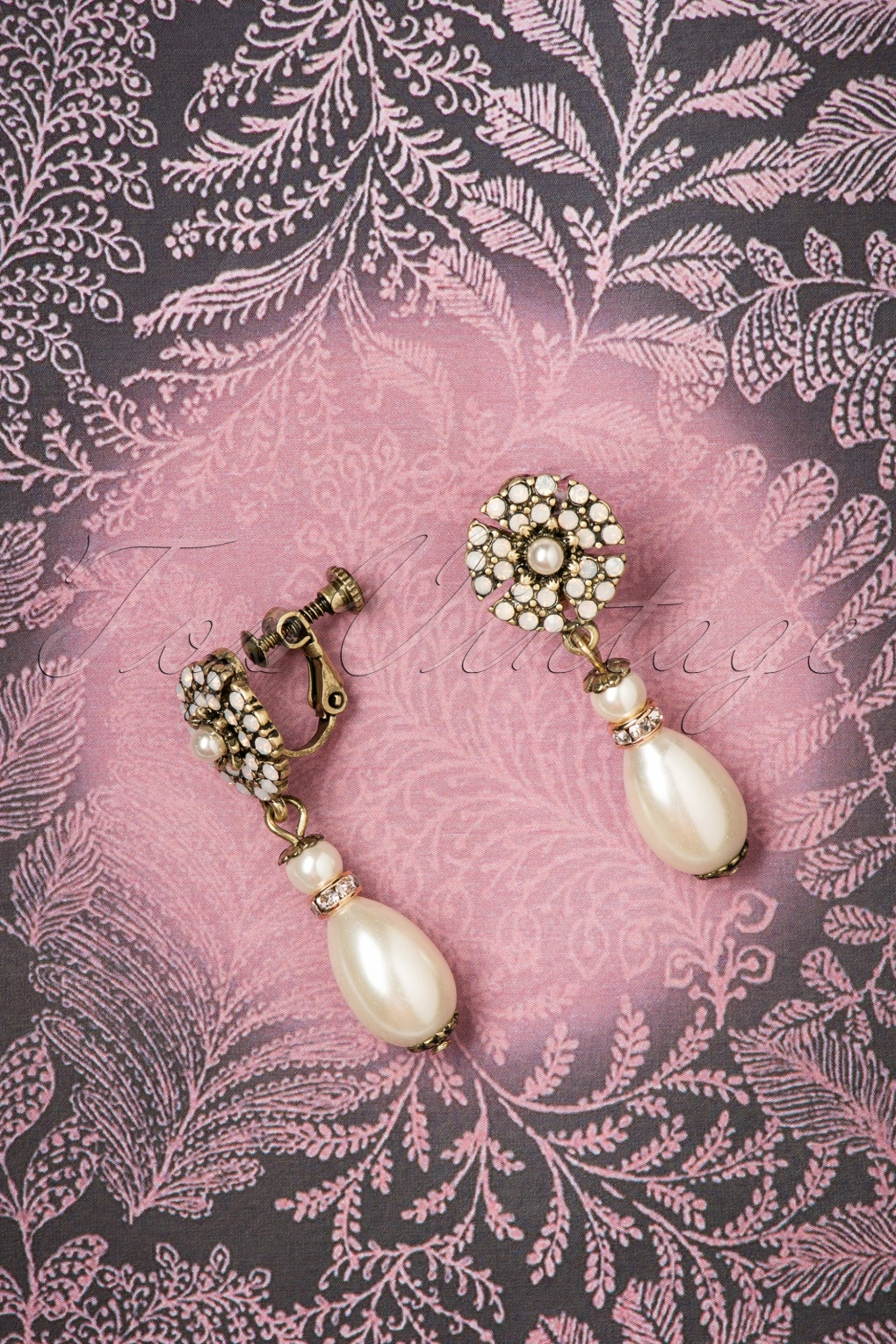 1930s Jewelry | Art Deco Style Jewelry 30s Miriam Haskell Pearl Drop Clip Earrings in Gold £19.59 AT vintagedancer.com