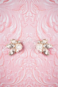 Lovely Leaf and Pearl Earrings 330 51 26472 08142018 002W