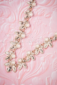 Lovely Leaf and Pearl Necklace 300 51 26473 08142018 003W