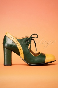La Veintineuve Margot Green Mustard Pumps 400 49 25832 08222018 008aW
