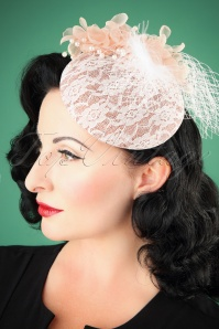 Lovely Vintage Fascinator 201 22 26485 08232018 002W