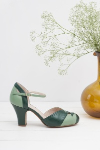 70s Grace Mary Jane Pumps in Green
