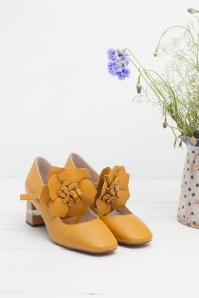 60s Pamela Block Heel Pumps in Mustard
