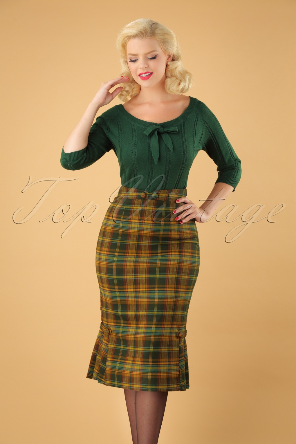 Retro Skirts: Vintage, Pencil, Circle, & Plus Sizes 40s Stella Pencil Skirt in Green Tartan £35.56 AT vintagedancer.com