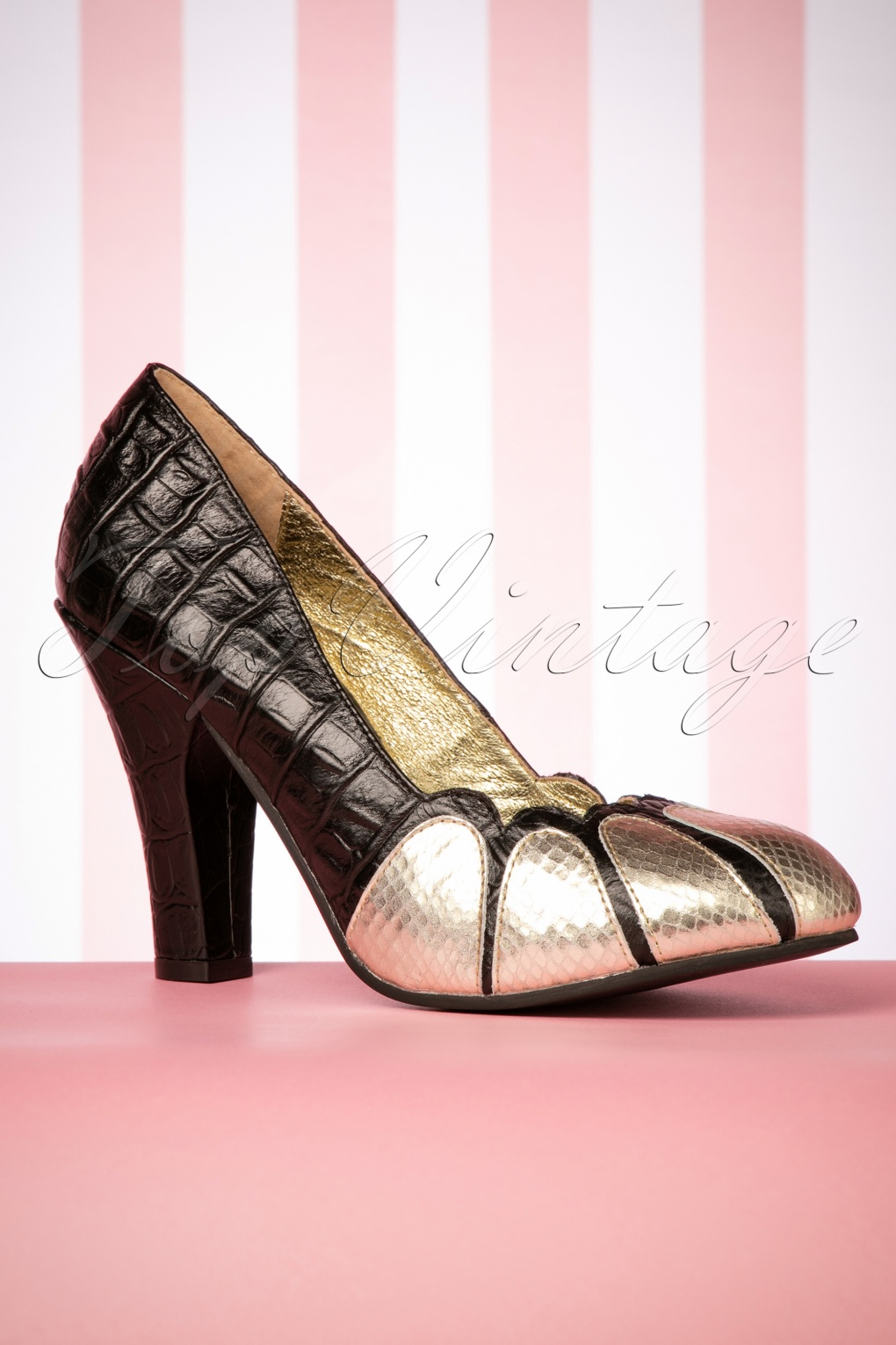 60s Shoes, Boots | 70s Shoes, Platforms, Boots 70s June Golden Years Leather Pumps in Black £144.55 AT vintagedancer.com