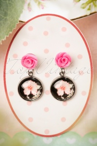 50s Flower Earrings in Pink