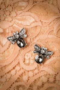 Darling Divine Bug earrings 330 92 26892 08282018 001W