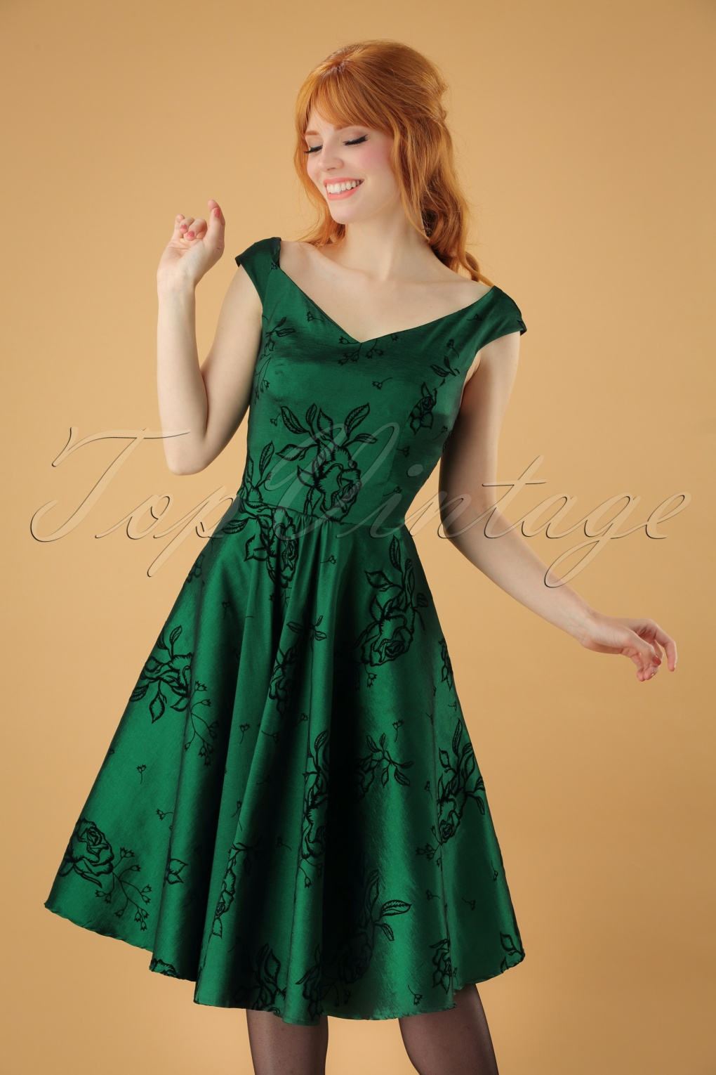 Vintage Christmas Dress | Party Dresses | Night Out Outfits 50s Lily Floral Swing Dress in Dark Green £52.49 AT vintagedancer.com