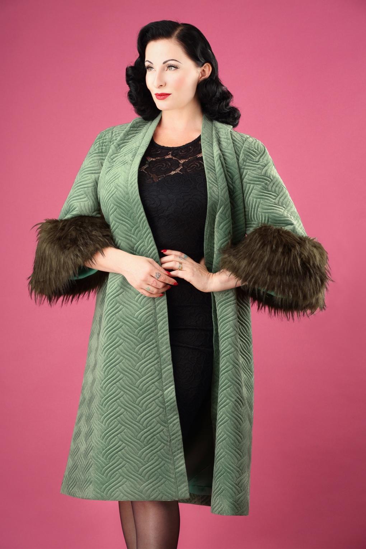 Vintage Coats & Jackets | Retro Coats and Jackets 20s Gatsby Coat in National Velvet Green £197.24 AT vintagedancer.com