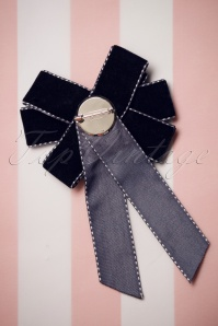 Darling Divine Navy Bow Brooche 340 30 26904 09052018 004W