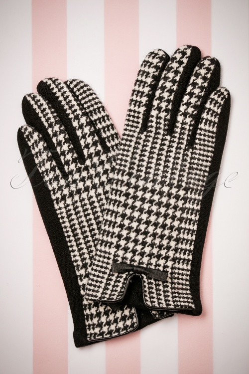Darling Divine Black and White Gloves 250 14 26879 09052018 002W