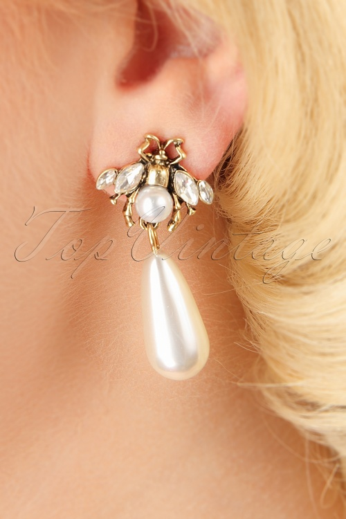 Darling Divine Pearl Earrings 330 50 26889 09062018 002W