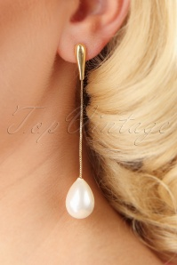 Darling Divine Golden Pearl Earrings 333 91 26887 09062018 002W