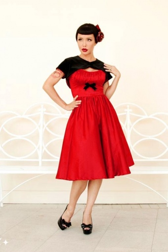 pinup-evelyn-red