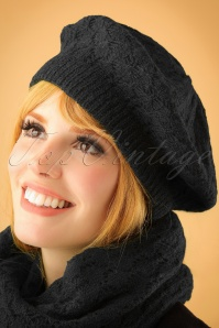 70s Florence Beret Hat in Black