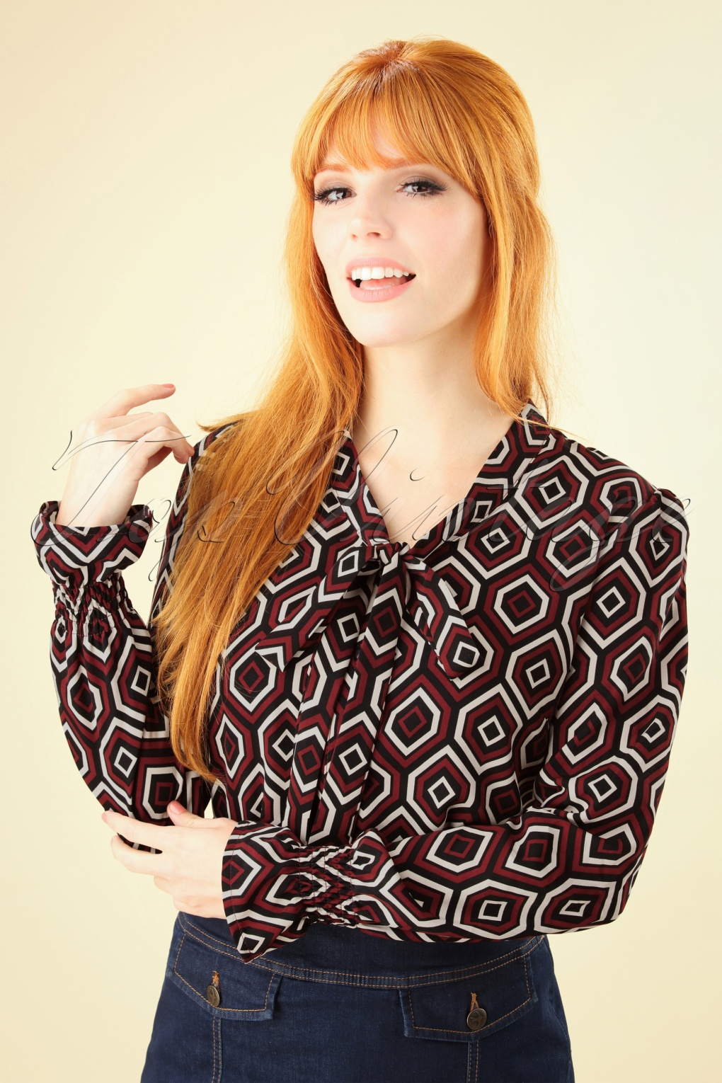 60s Shirts, T-shirt, Blouses | 70s Shirts, Tops, Vests 60s Retro Bow Blouse in Black and Red £64.98 AT vintagedancer.com