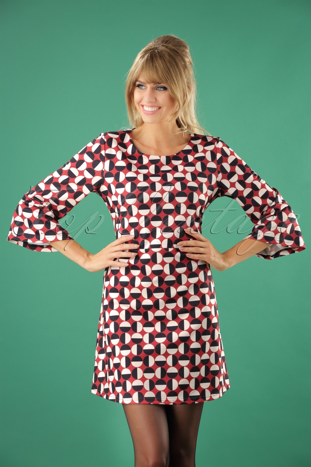 1960s Style Dresses, Clothing, Shoes UK 60s Mod Circles Dress in Rusty Red £39.46 AT vintagedancer.com