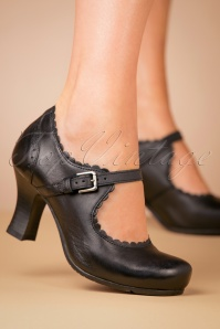 40s Barcelona Leather Mary Jane Pumps in Black