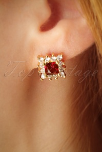 50s Elegant Ruby Stud Earrings in Gold