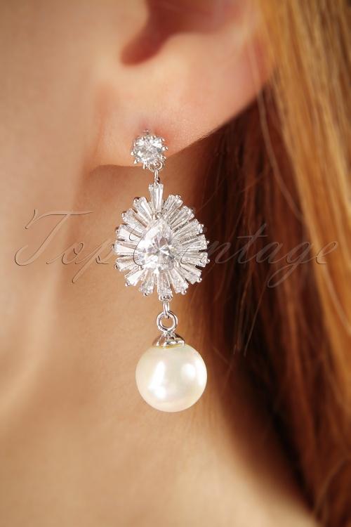 Vixen Elegant Pearl Earrings 333 92 25712 07122018 002W