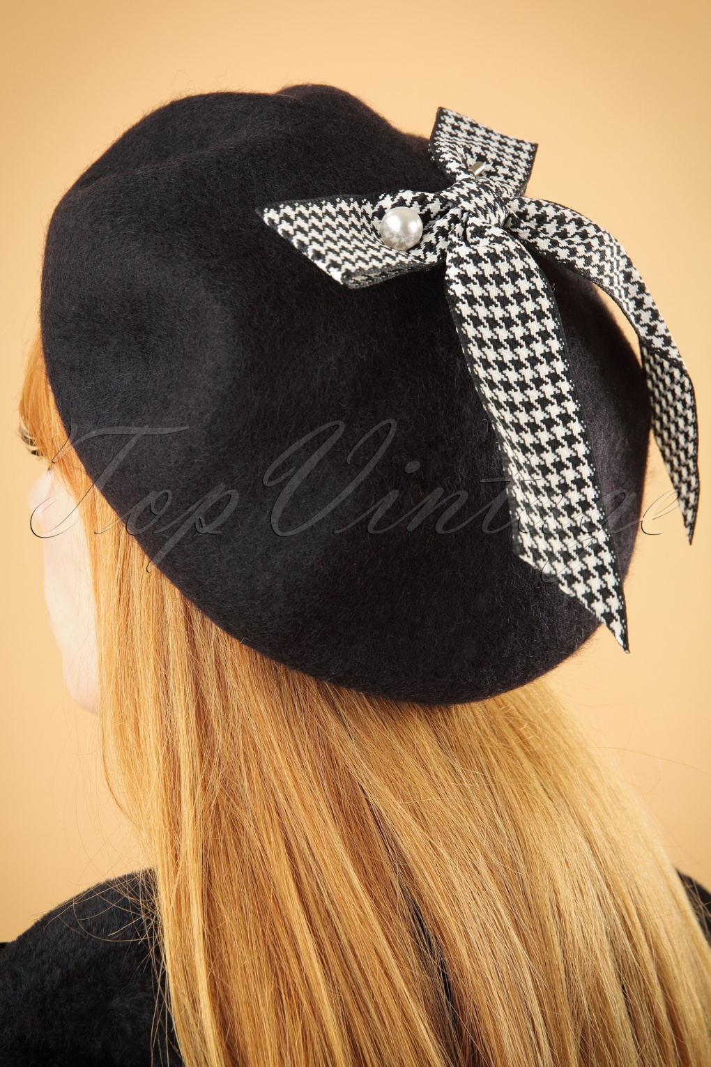 Women's Vintage Hats | Old Fashioned Hats | Retro Hats 50s Bow Wool Beret in Black £13.21 AT vintagedancer.com