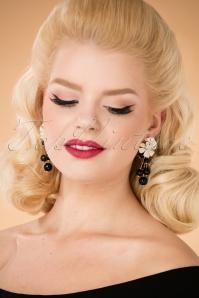 Lilo Flowers and Beads Earrings Années 60 en Blanc et Noir