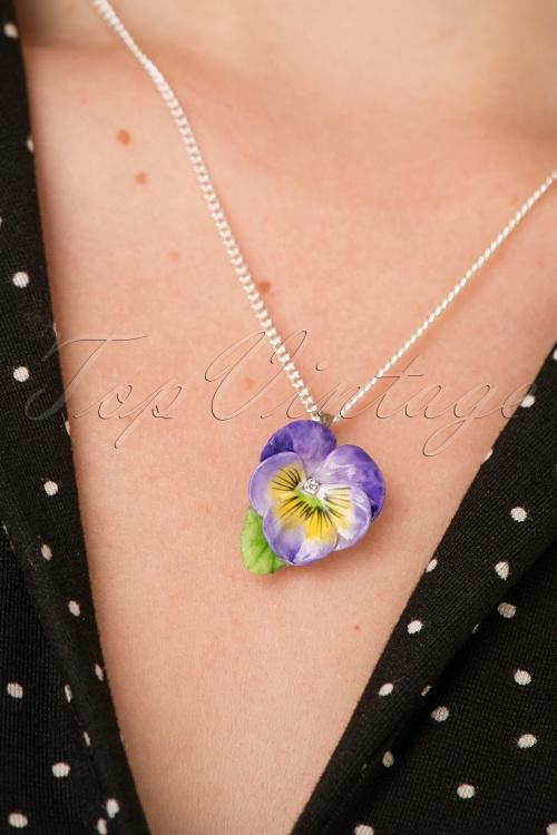 Hop Skip & Flutter Porcelain Flower necklace 300 60 26516 10042018 001W