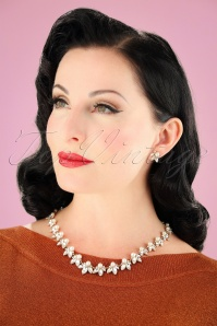 Lovely Leaf and Pearl Necklace 300 51 26473 08142018 010W