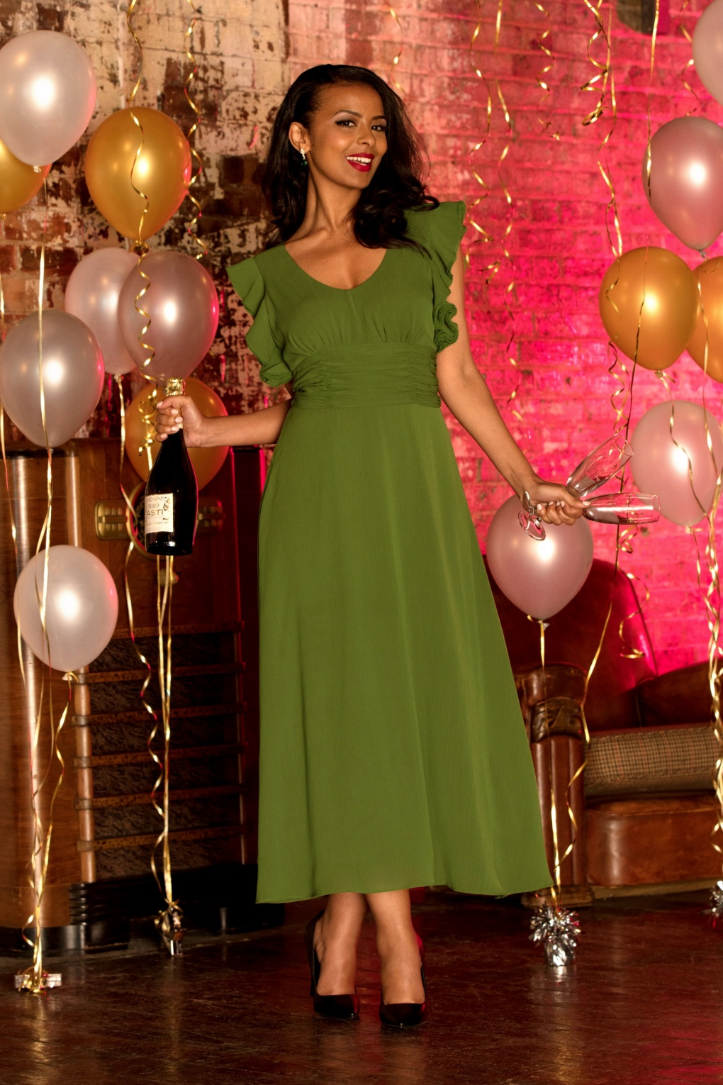 What Did Women Wear in the 1930s? 1930s Fashion Guide 30s Amelia Gown in Olive £100.10 AT vintagedancer.com