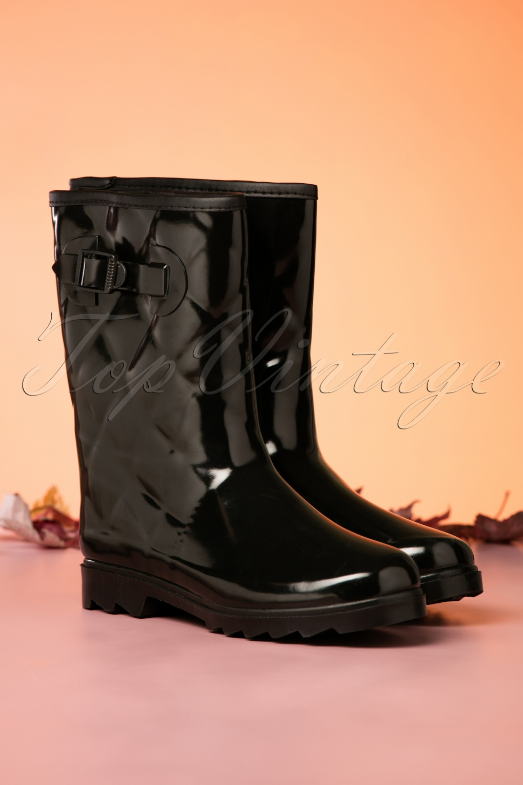 Vintage Boots- Buy Winter Retro Boots 60s Lesley Quilted Rain Boots in Black £31.63 AT vintagedancer.com