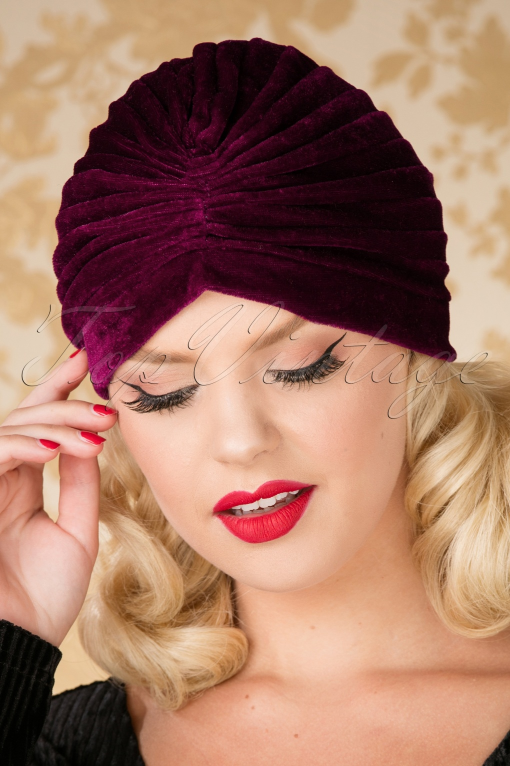 Vintage Hair Accessories: Combs, Headbands, Flowers, Scarf, Wigs 20s Warlock Velvet Turban Hat in Burgundy £5.23 AT vintagedancer.com