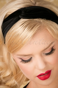 Banned Velvet Hairband Black 208 10 26153 07122018 002W