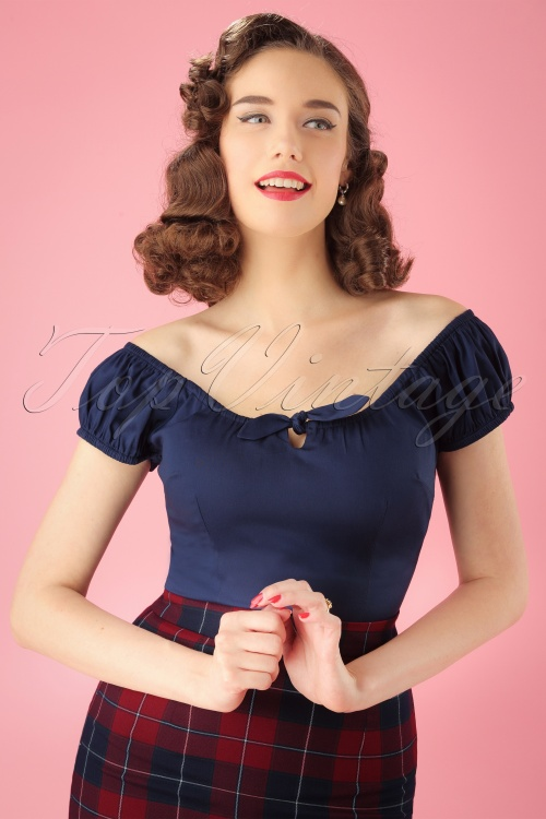 Collectif Clothing Lorena Plain Top 110 31 25635 20180629 01W