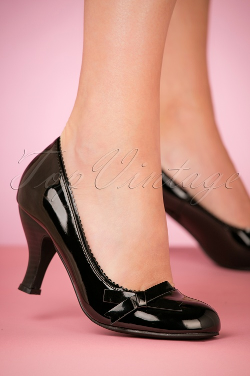 Banned Dragon Pumps in black 400 10 26205 10242018 001W