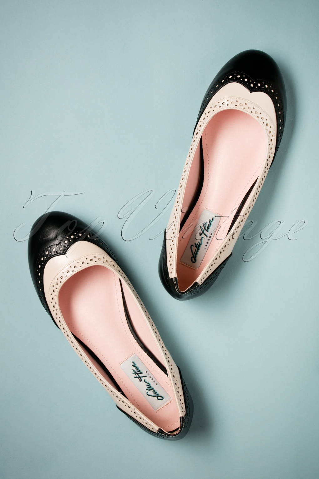 Vintage Style Shoes, Vintage Inspired Shoes 60s Linda Flats in Black and White £35.07 AT vintagedancer.com
