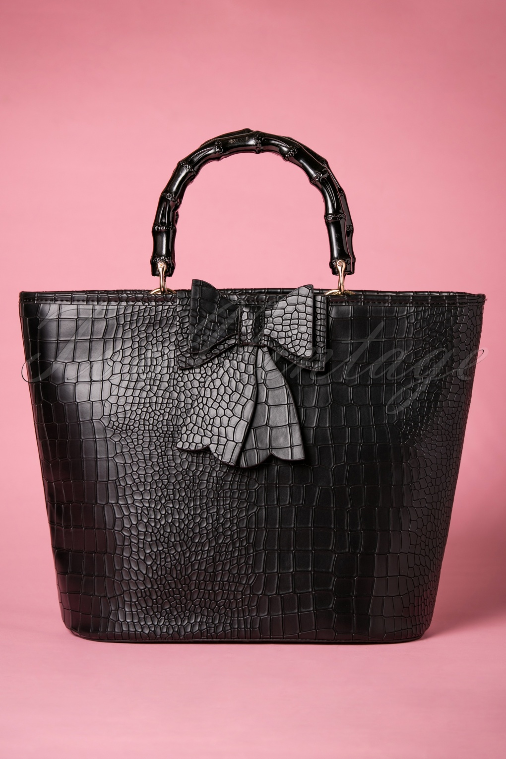 What Did Women Wear in the 1950s? 1950s Fashion Guide 50s Brunei Handbag in Black £41.74 AT vintagedancer.com