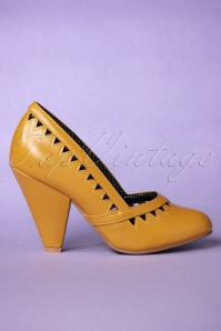 Bettie Page Yellow Marjorie Pump 400 80 25798 20181018 0039W