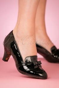 Bettie Page Shoes Black Sadey Pumps 400 10 25799 10242018 008W