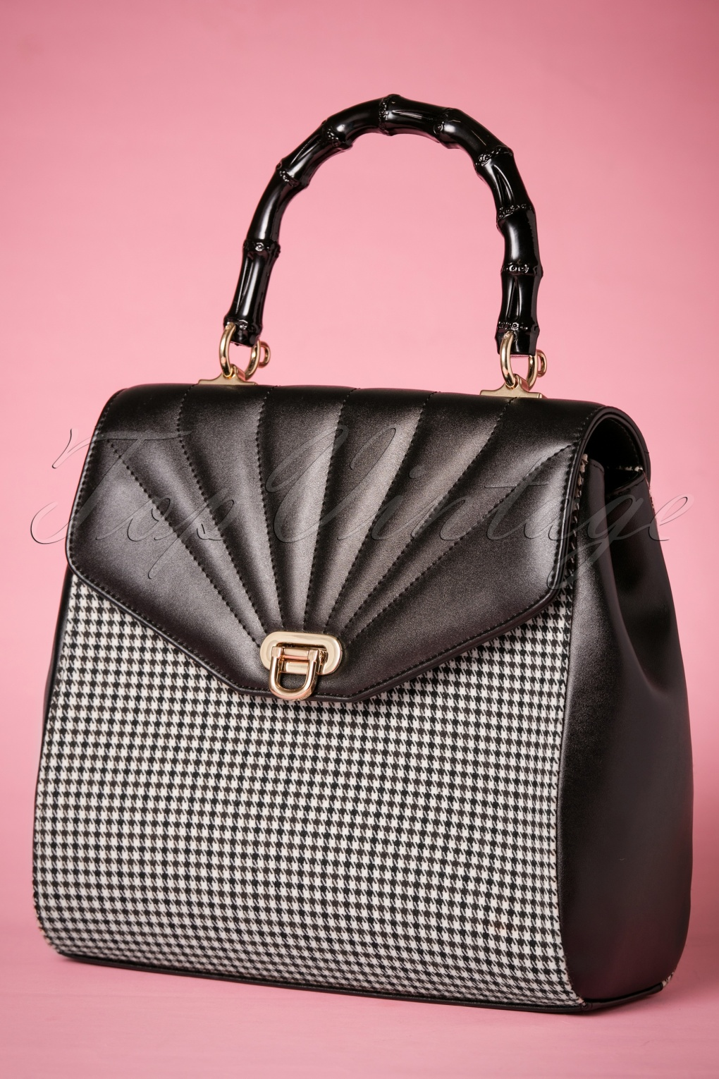 What Did Women Wear in the 1950s? 1950s Fashion Guide 50s Bamboo Lux Handbag in Houndstooth Black £41.74 AT vintagedancer.com