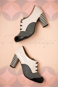 60s Listas Patent Leather Booties in Cream