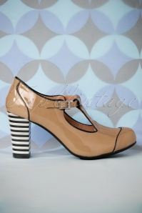 60s Nice Cat Patent Leather T-Strap Pumps in Latte