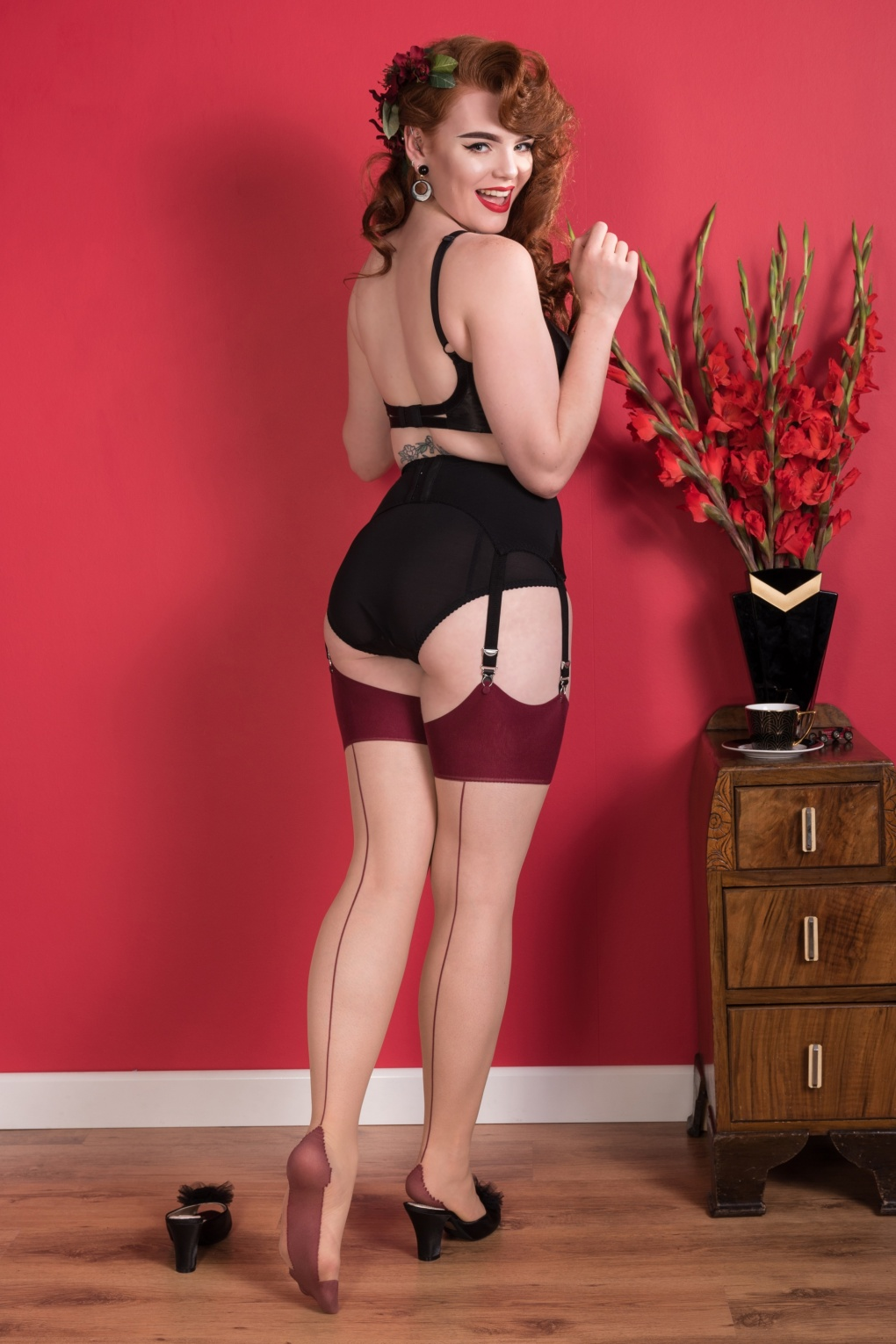 1950s Stockings and Nylons History & Shopping Guide 40s Retro Seamed Stockings in Burgundy Glamour £11.44 AT vintagedancer.com