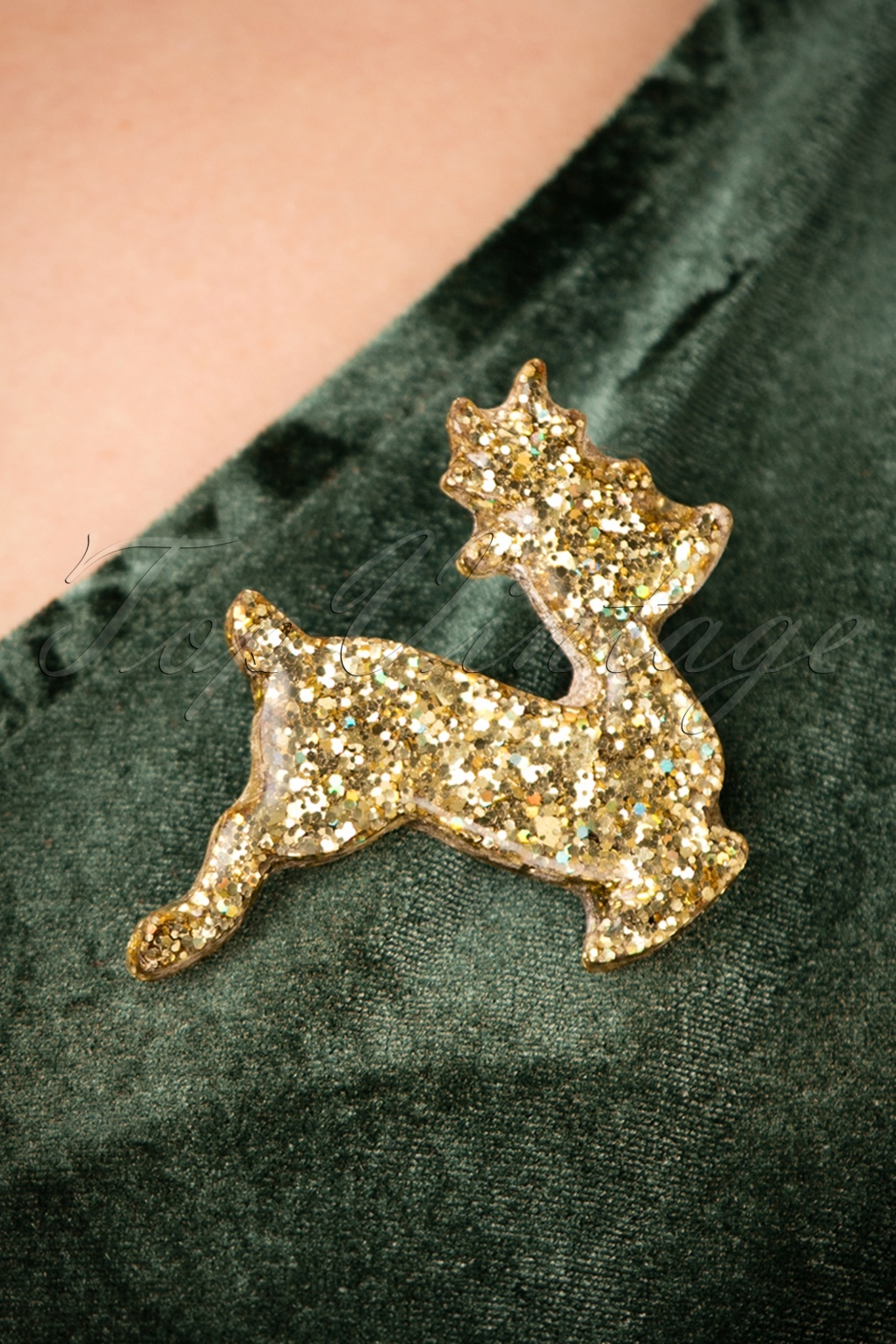 Vintage Style Jewelry, Retro Jewelry 50s Sparkly Reindeer Brooch in Gold £14.22 AT vintagedancer.com