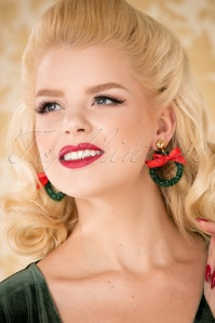 Glitz-o-Matic 50s Christmas Wreath Earrings in Green