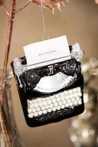 Sass and Belle Vintage Typewriter Christmas Hanger 290 14 28615 11152018 004W